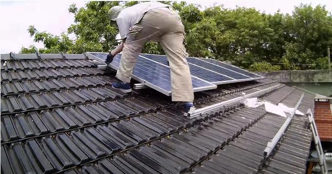 Instalación de placas solares en Montesa