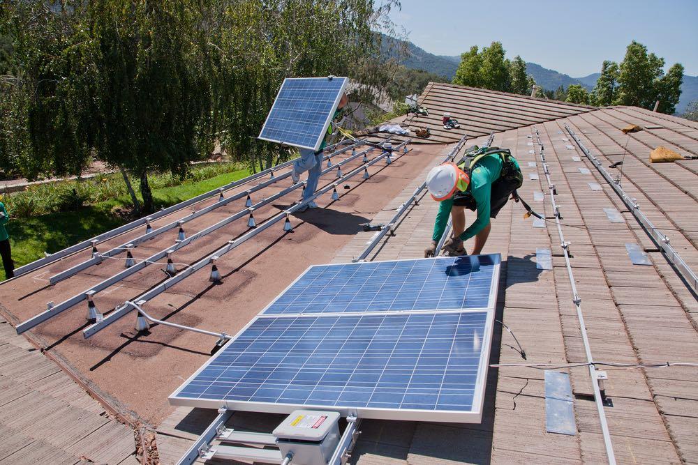 servicio de instalación de placas solares en Torrent