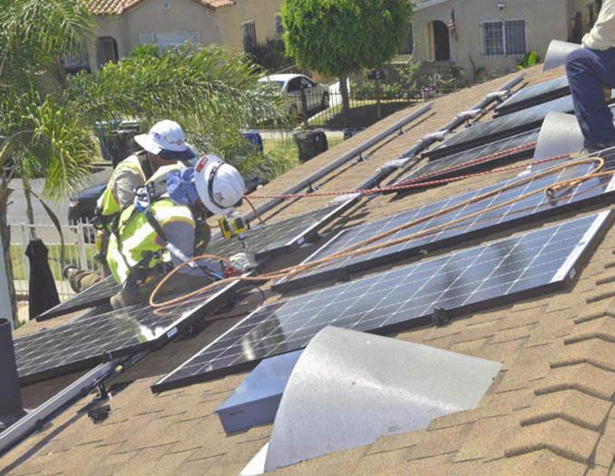 Instalación de placas solares en Benifaió