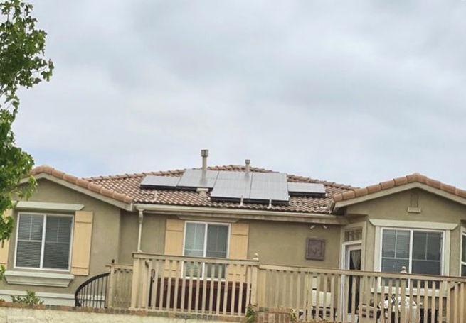 Instalación de placas solares en Pobla de Vallbona