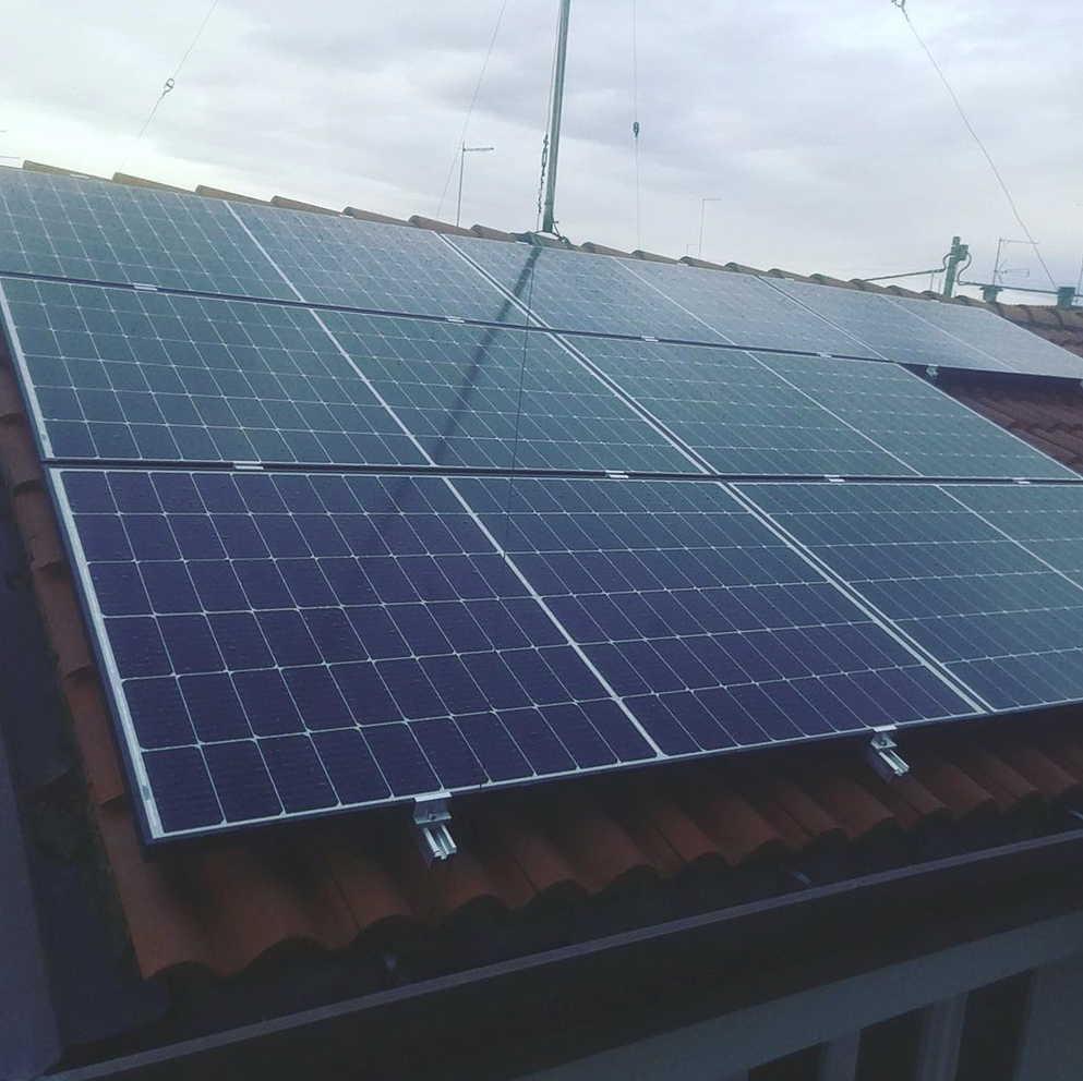 Instalación de paneles solares en Castellón